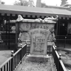 Hauntedmansiongrave